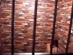 Japāņu vergu paņem locekli mutē