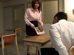Yui Asahina - مثير المعلم الياباني