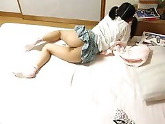 Asian girl caught masturbating (squirting)