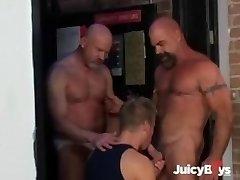 Daddy Hunt #2, S02