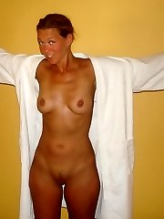 Real sexy mature mummy having fun