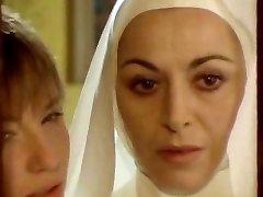 Nun seduced by sapphic!