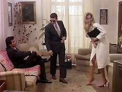 Business dame in retro porn glad to gives in butt and cunt