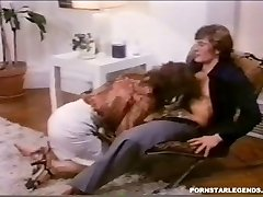 Classic anal penetrating for big-chested Veronica Hart