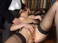 ITALIAN Porno anal invasion hairy babes threesome vintage