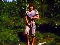 Retro - Chick masturbates outdoor
