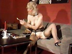 Vintage Girly-girl Pee Play