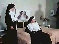 Nuns getting Kinky (German)