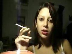Elizbeth Marlboro Crimson 100s webcam again