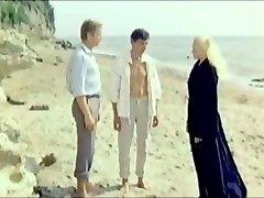 Irena Dubrovskaya (Kokryatskaya) - Variant Zombi (1985)