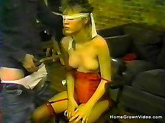 Blindfolded amateur babe sucking sausage