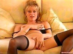 Dirty Talking MILF Mastubating Vintage Porno