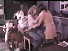 Euro Peepshow Loops 397 1970s - Scene 5