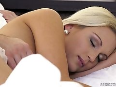 Alluring blonde Cecilia Scott gets her puss licked and pulverized