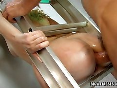 Wet anal screwing with Annette Schwartz and mean crank