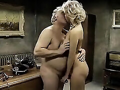 Young lesbian idolizes feet of the mature woman
