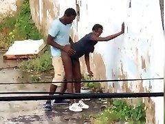 Public Hump in Trinidad and Tobago
