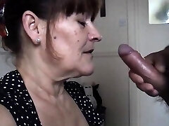 Mature wife takes a huge blowjob cream pied