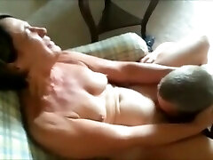 Cuckolding her Man - Getting her Cootchie Eaten
