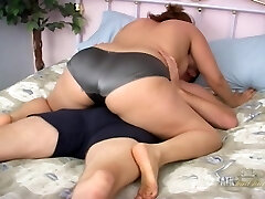 Vid from AuntJudys: Andi