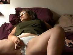 BBW girl with glasses faps