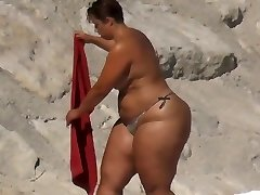 Plus-size Huge Ass on the Beach
