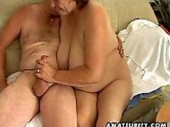 Plump mature amateur wife deepthroats and fucks