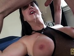 Carnivorous Cougar Jessie Jo fed with Pascal�s boy meat