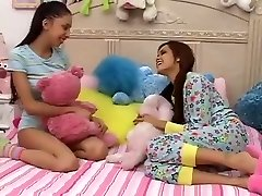 Teen Girls Plays With not Big Brothers Stiffy-daddi