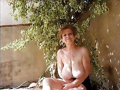 Videoclip - Saggy Mature