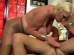 BBW Granny in Anal Scene 220.SMYT