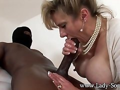 MILF Girl Sonia strokes Xxl black cock