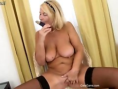 Beautiful mature mom first time on webcam