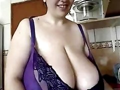 BBW in Kitchen