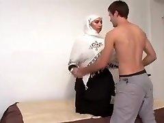 Jaw-dropping Arab Girl