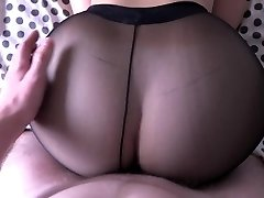 Girl with yam-sized ass humping in pantyhose.