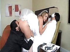 Alanah Rae is a steaming bride who gets a large trunk for her delight