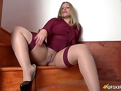 All alone lustful whore Ashley Rider spreads her own snatch a bit
