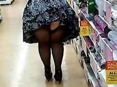 Fat Damsel In Stocking And Heels Shopping