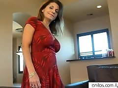 Bigtit mature fucks furry cunt
