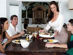 Kendra Eagerness & Jordi El Nino Polla in Kendras Thanksgiving Ramming - Brazzers