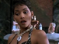 Halle Berry - The Flintstones