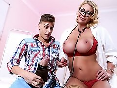 Leigh Darby & Chris Diamond in Mischievous Checkup with Dr. Darby - Brazzers