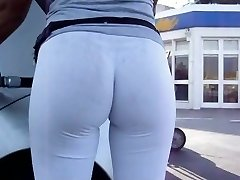 INCREDIBLE Bouncy Butt in Milky Leggins at Gas Station
