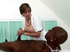 Lady Sonia - Nurse Rubdown