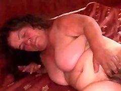 Granny Midget Plus-size saugt und wird hart gefickt