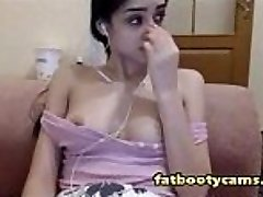 Innocent and Super-cute Arab Teen on Webcam - fatbootycams.com