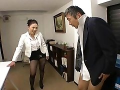 Japanese Boss nails her employee so rigid at office - RTS