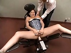 Unexperienced Plays With Penetrating Machine