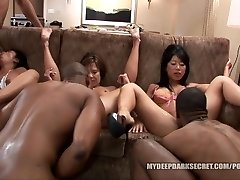 MDDS Tia Ling and Becky Squirts BBC Bi-racial Hump